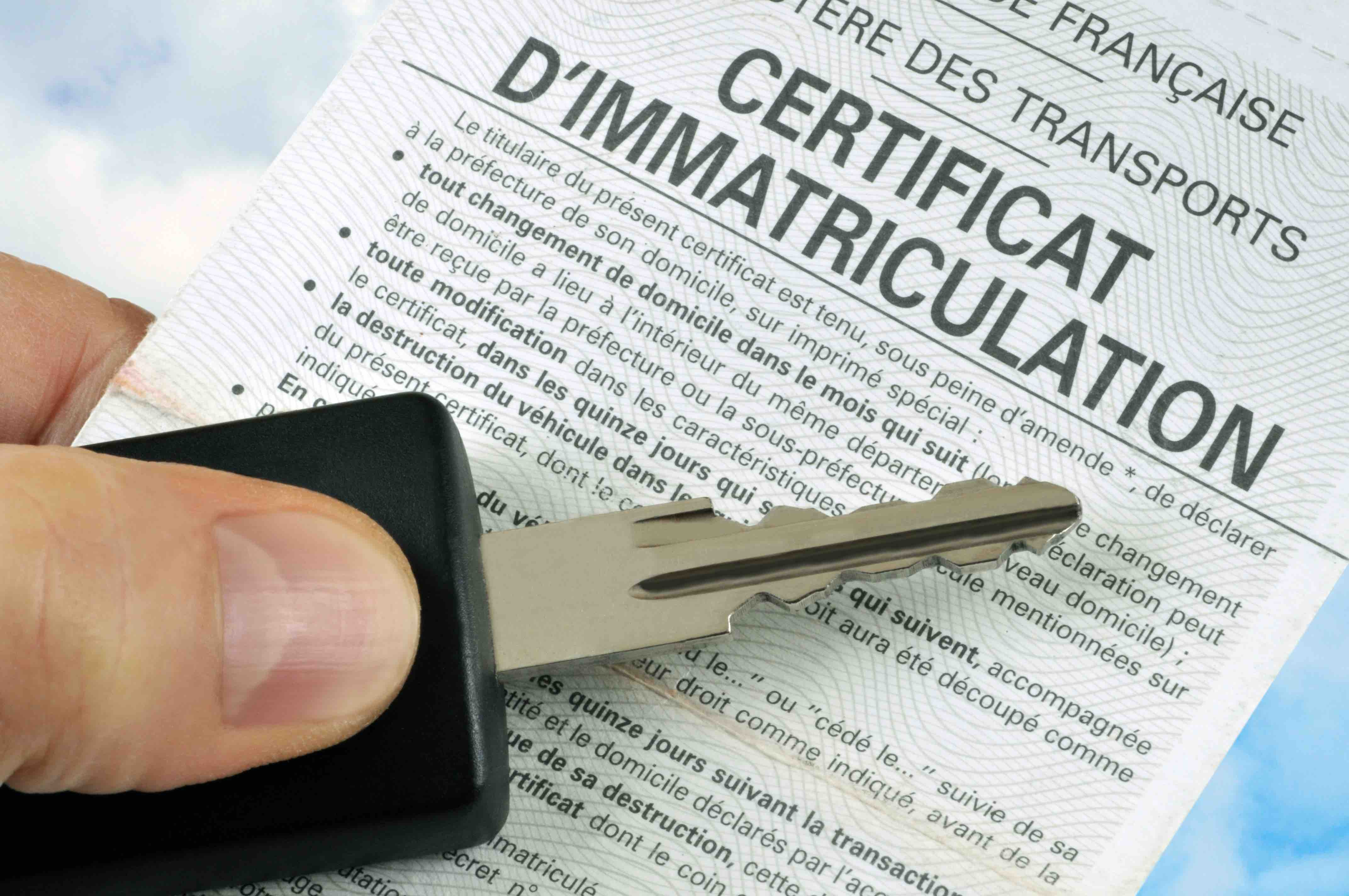 carte grise , ou aussi appelé certificat immatriculation