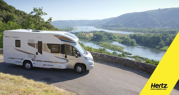 Avez-vous pensé à la location de camping-car pour vos vacances ou pour un weekend? Grâce à Hertz Trois Soleils, louez près de chez vous un camping-car récent et bénéficiez de l'expérience et de la sécurité d'un grand loueur, pour réussir vos vacances.