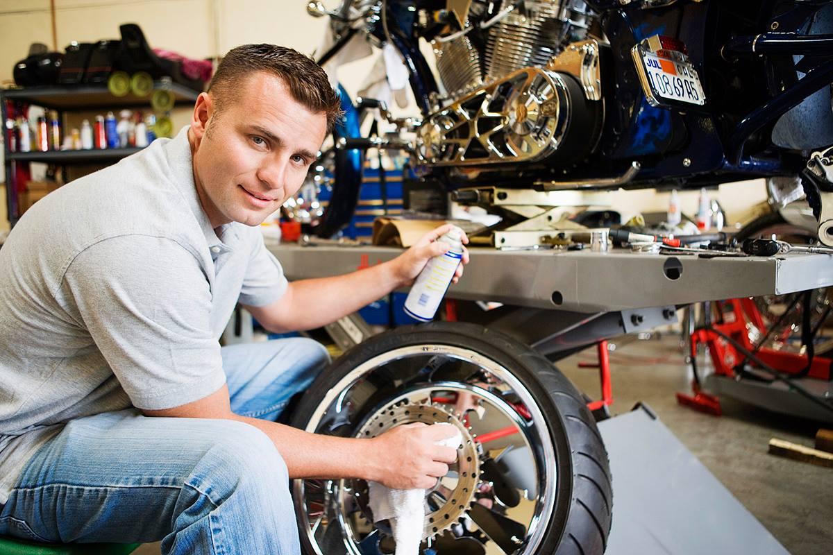 Les pneus sont des pièces d'importance cruciale pour la sécurité et le confort de votre véhicule et de tous ceux qui peuvent se trouver à l'intérieur. Il y a bien plus à savoir sur vos pneus que vous ne le pensez, et voici les 6 choses que vous ne saviez probablement pas sur vos pneus (et que vous devez absolument savoir).